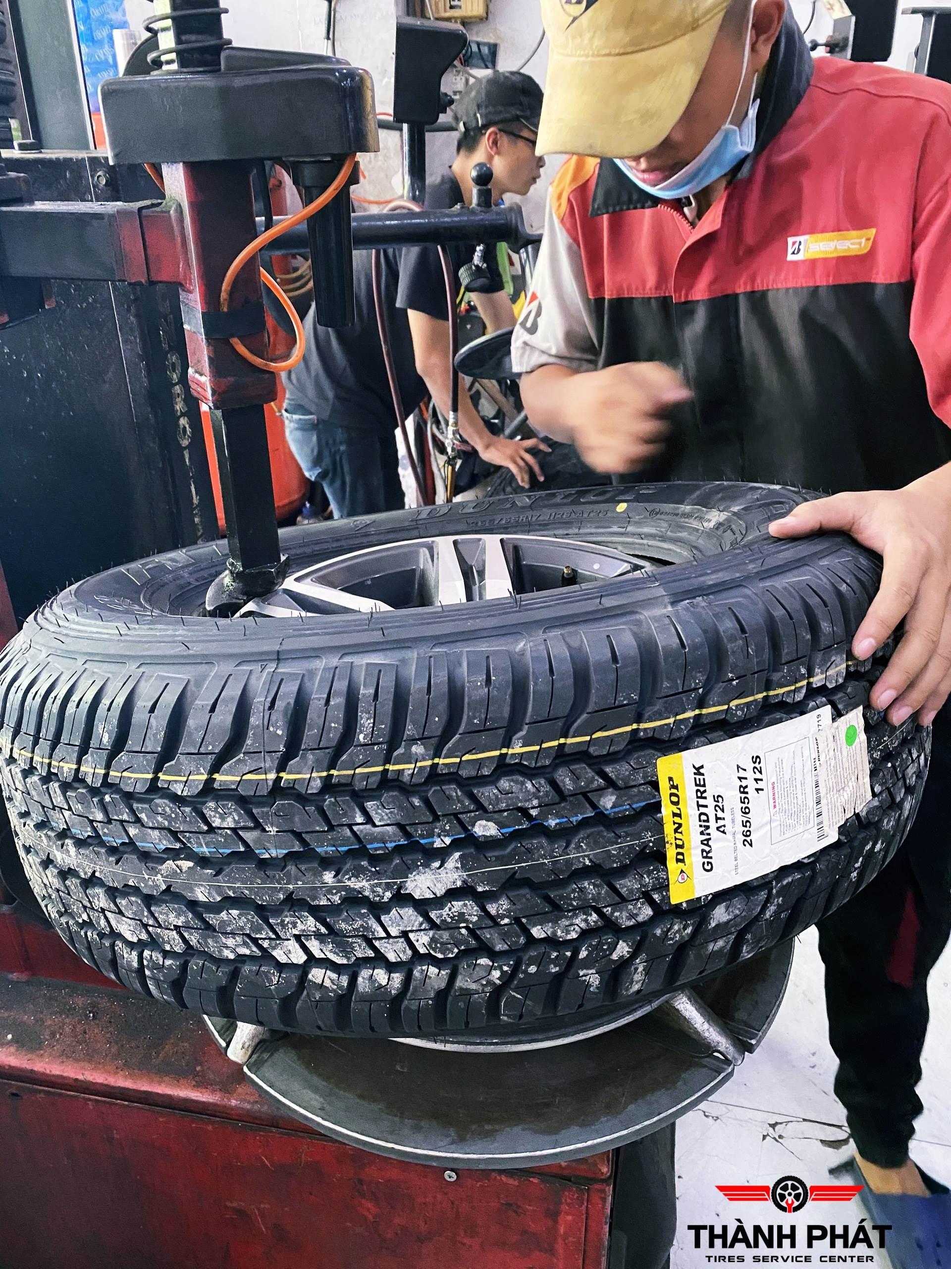 Lốp xe Dunlop dành cho Fortuner giá tốt tại Trung Tâm Vỏ Xe