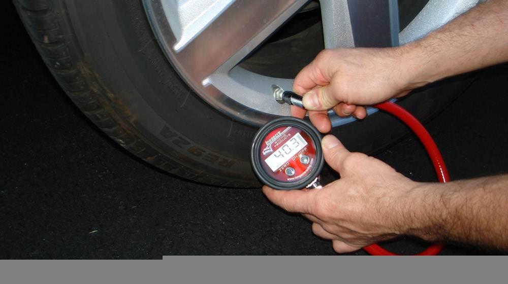"""Lái ô tô: Đừng chủ quan khi lốp """"non"""""""