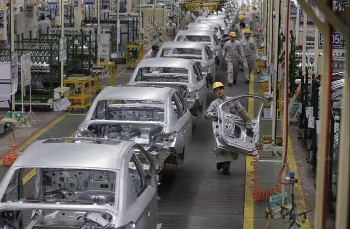 Ngành công nghiệp ô tô tiêu tốn hơn 300 tỷ đồng mỗi ngày