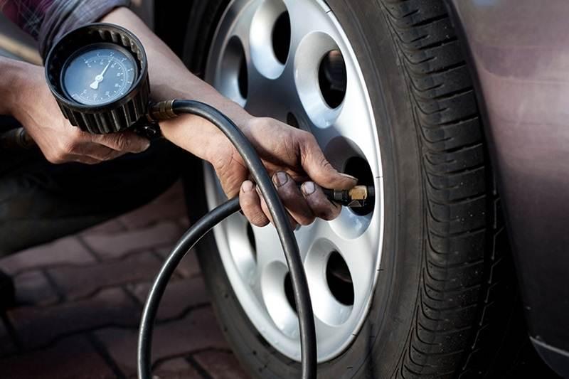 Nguyên nhân và cách xử lý xe ô tô bị nổ lốp