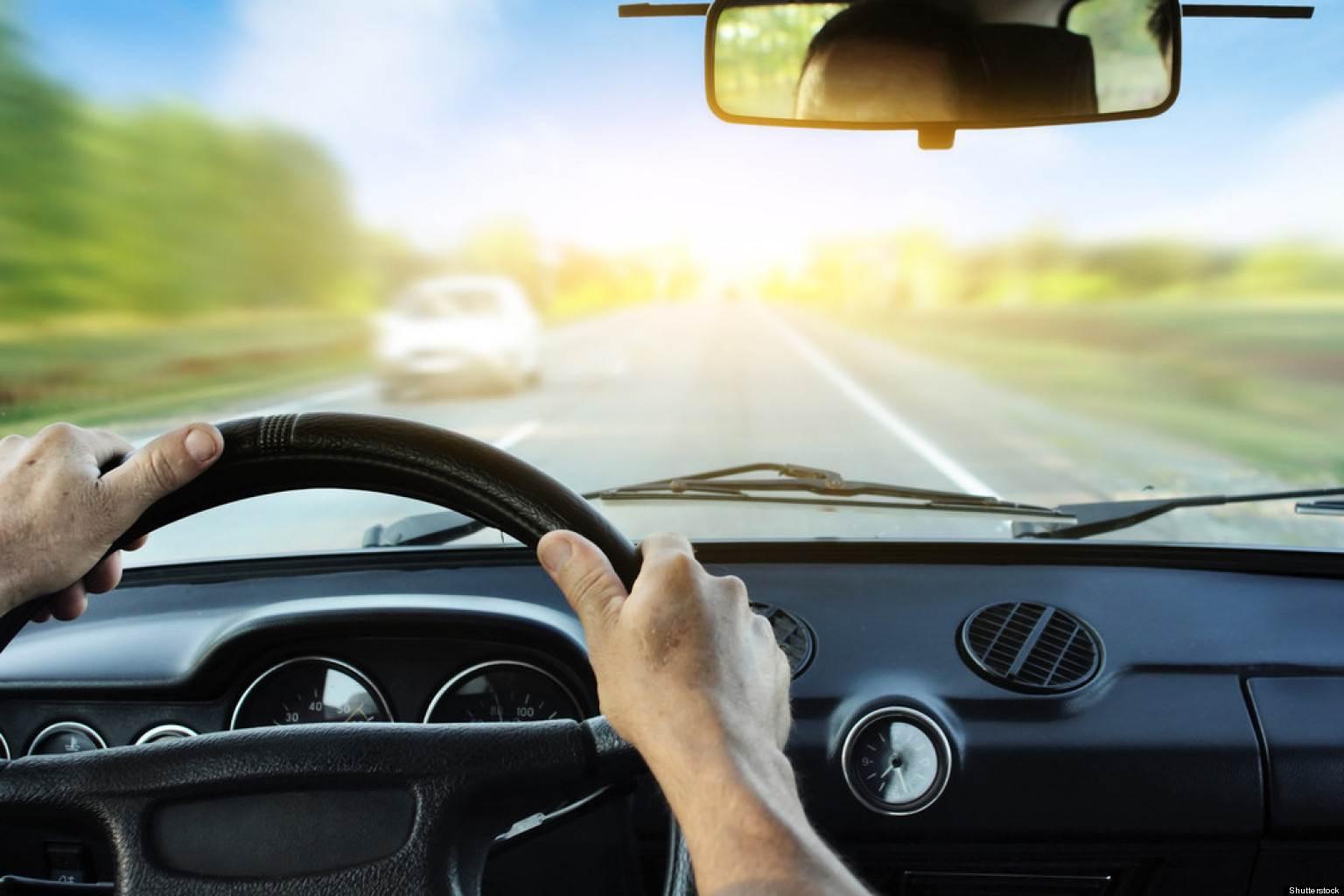 5 động tác thư giãn hiệu quả khi lái xe
