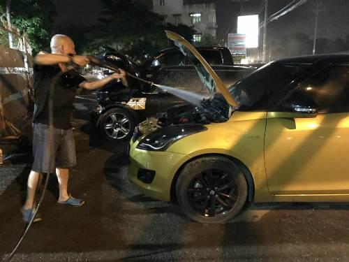Rửa khoang máy ôtô - việc nên làm, nhiều tài xế còn e ngại