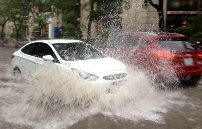 Xử lý thế nào sau khi xe bị ngập nước